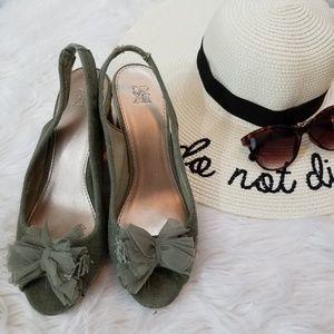 •NY&C• Green Canvas Espadrilles Sandals